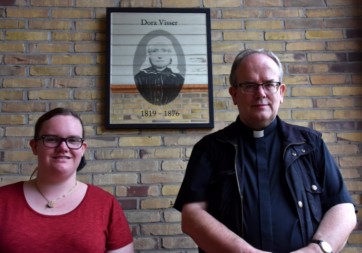Dora Visser Annelies Marien pastoor Geudens